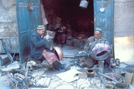 The ferriers-coppersmithes at the Kashgar market