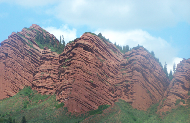 Jety-Oguz Rocks